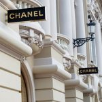 Ile zarabia Chanel?